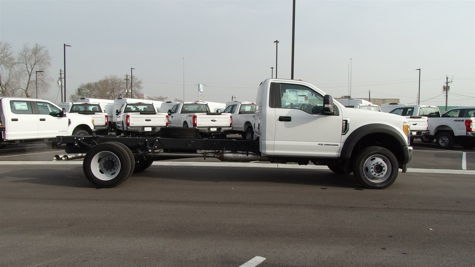 2017 F-450 Regular Cab DRW 4x4,  Cab Chassis #67122 - photo 3
