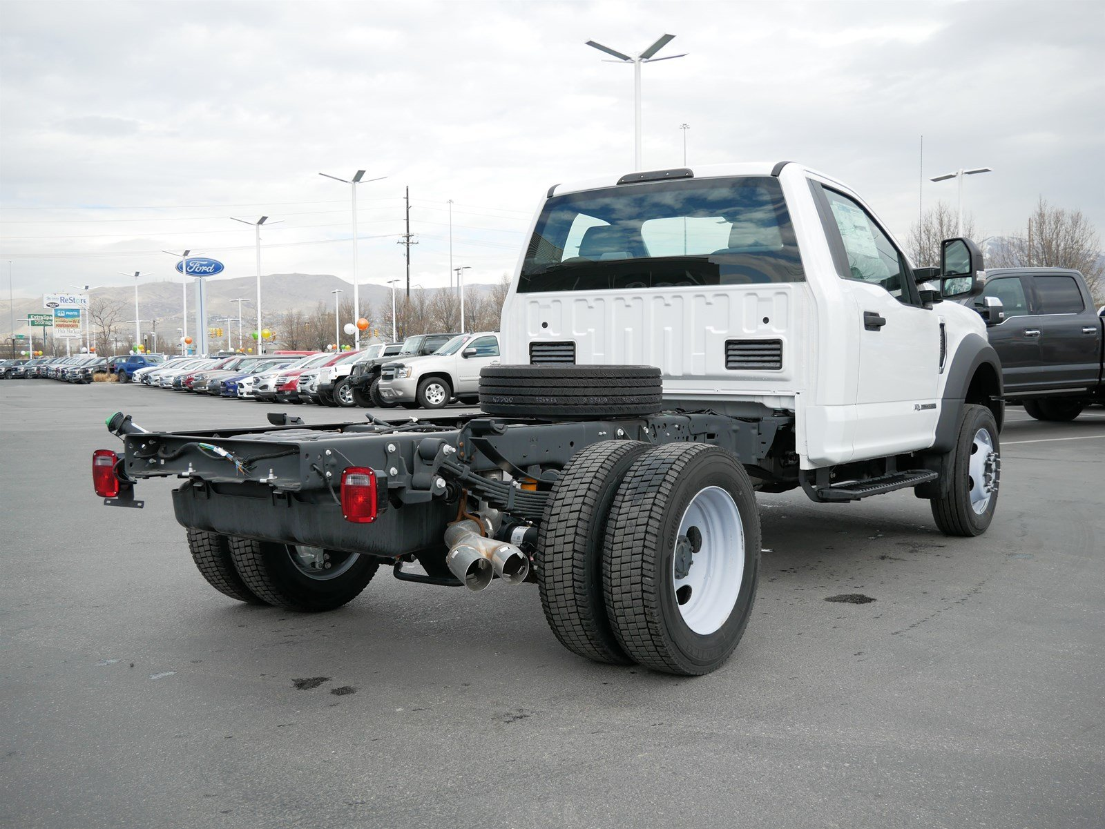 2019 F-550 Regular Cab DRW 4x4, Cab Chassis #69325 - photo 1