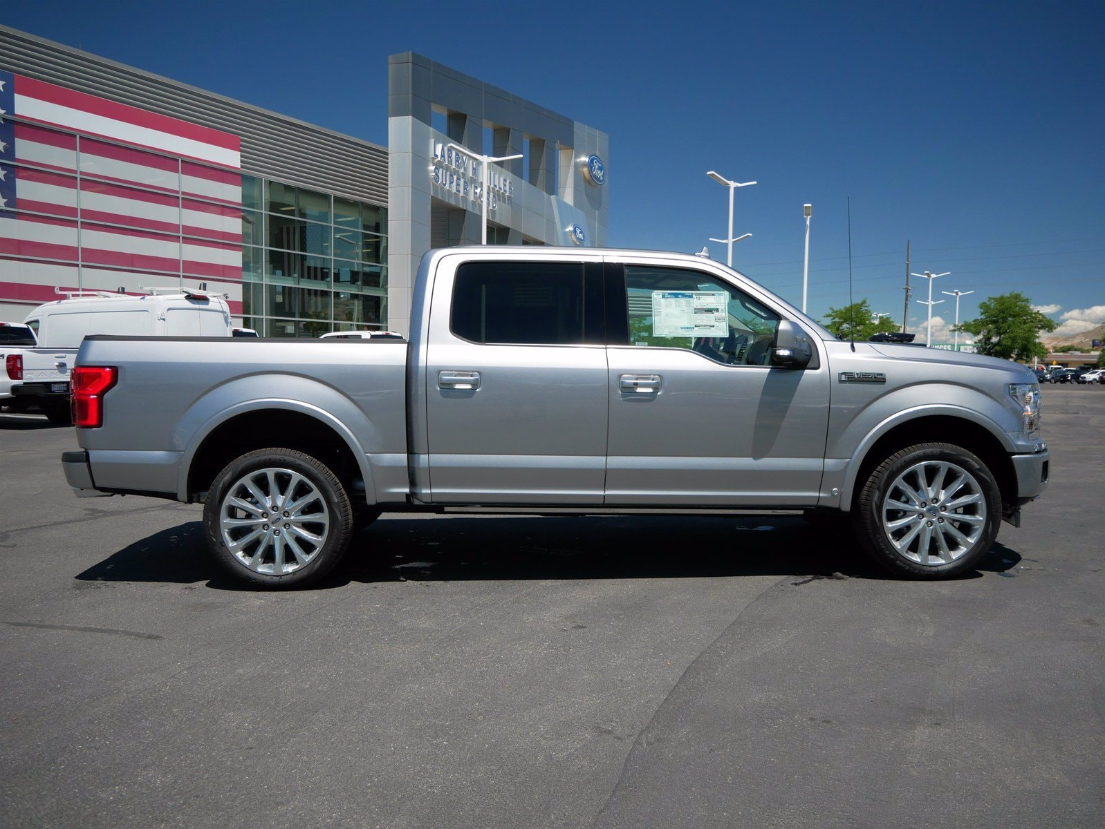 2020 Ford F-150 SuperCrew Cab 4x4, Pickup #85540 - photo 3