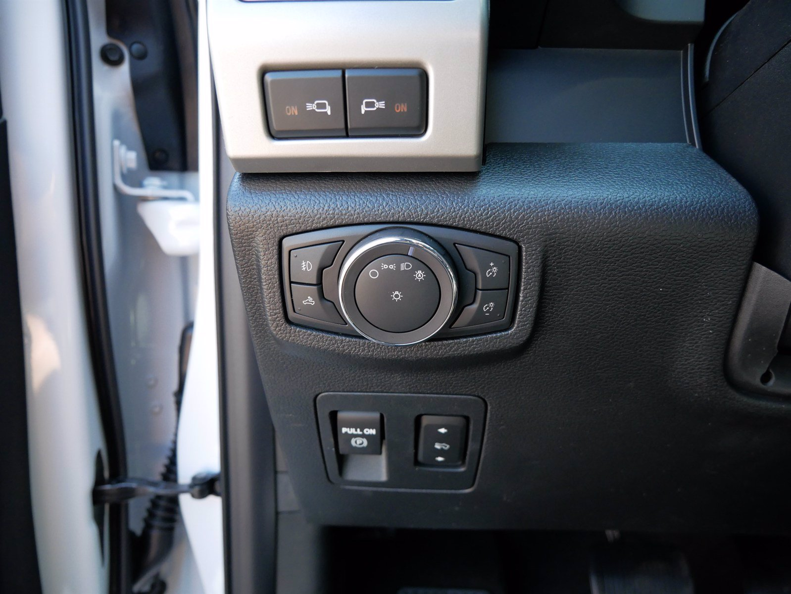2020 Ford F-150 SuperCrew Cab 4x4, Pickup #85604 - photo 17