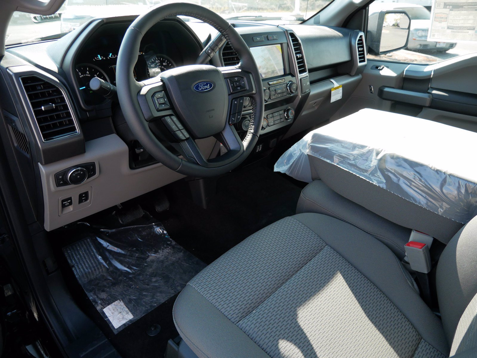 2020 Ford F-150 SuperCrew Cab 4x4, Pickup #88151 - photo 13