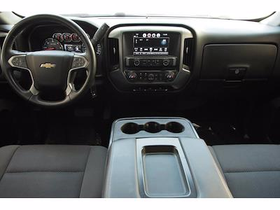 2018 Chevrolet Silverado 1500 Crew Cab 4x4, Pickup #T25160 - photo 17
