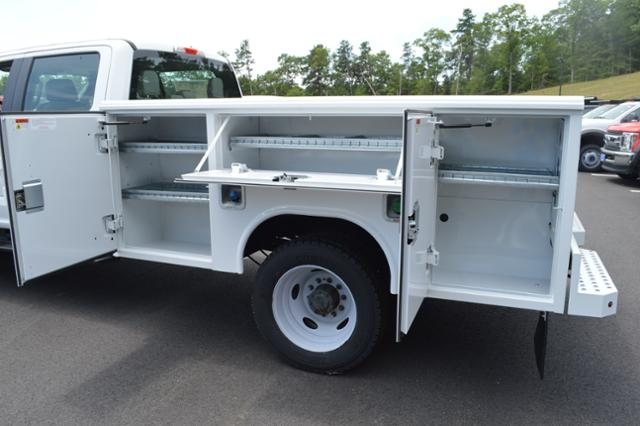 2017 F-550 Crew Cab DRW 4x4,  Cab Chassis #N5929 - photo 6