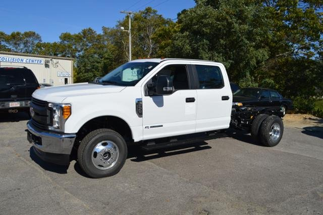 2017 F-350 Crew Cab DRW 4x4, Cab Chassis #N6627 - photo 4