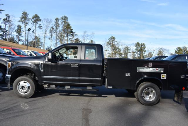 2019 F-350 Super Cab DRW 4x4,  Reading Service Body #N8064 - photo 2