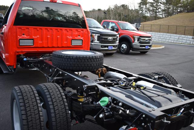 2019 F-550 Regular Cab DRW 4x4,  Cab Chassis #N8076 - photo 3