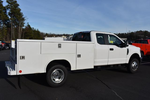 2019 F-350 Super Cab DRW 4x4,  Reading Service Body #N8117 - photo 3