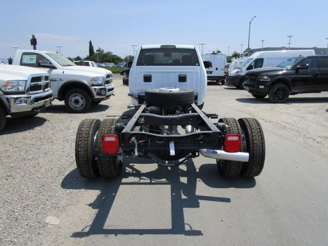 2017 Ram 5500 Regular Cab DRW 4x2,  Cab Chassis #28541D - photo 4