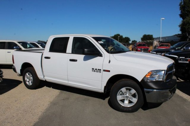 2018 Ram 1500 Crew Cab 4x2,  Pickup #53312D - photo 3