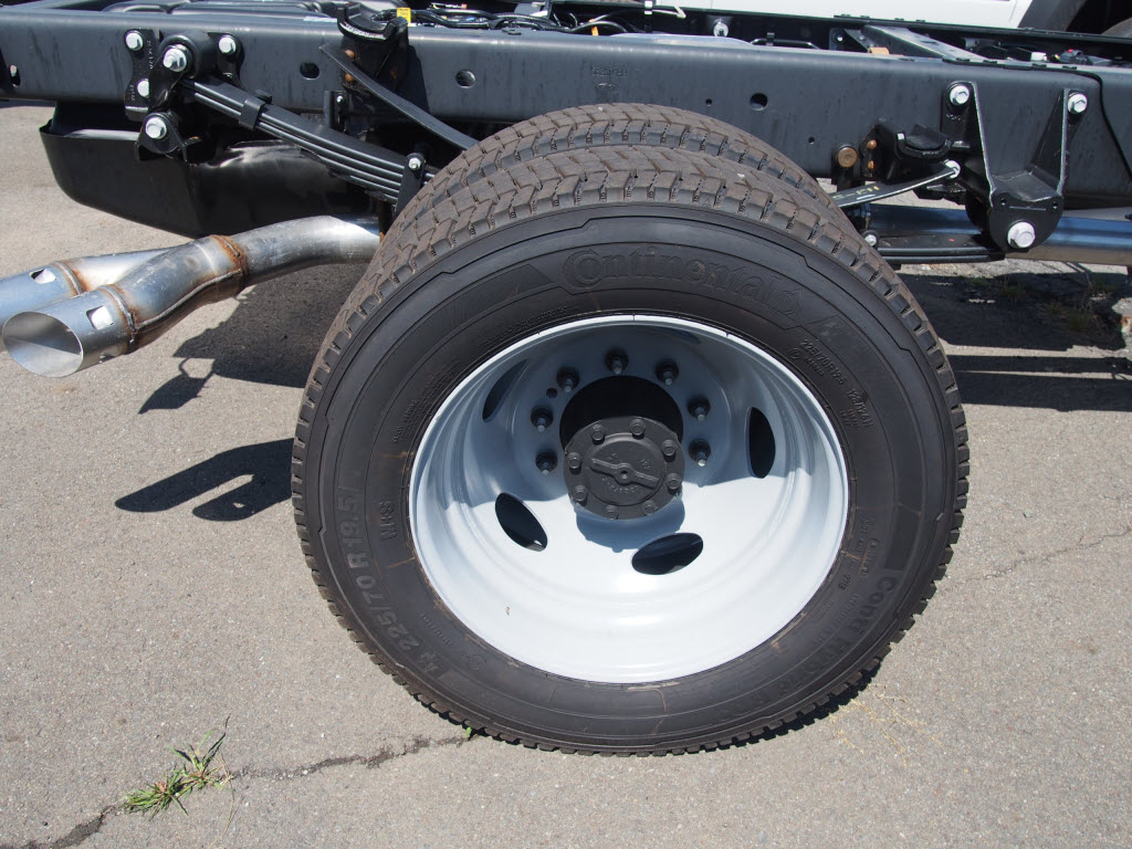 2019 Ford F-550 Regular Cab DRW 4x4, Cab Chassis #10301T - photo 9