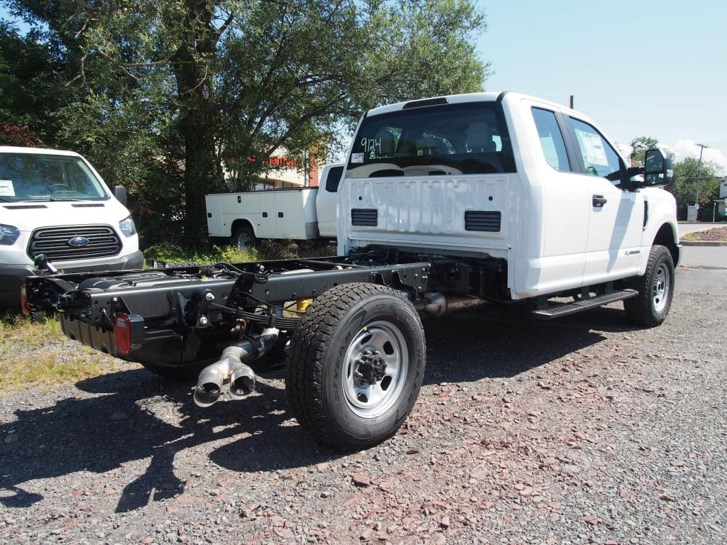 2019 Ford F-350 Super Cab 4x4, Cab Chassis #10320T - photo 2
