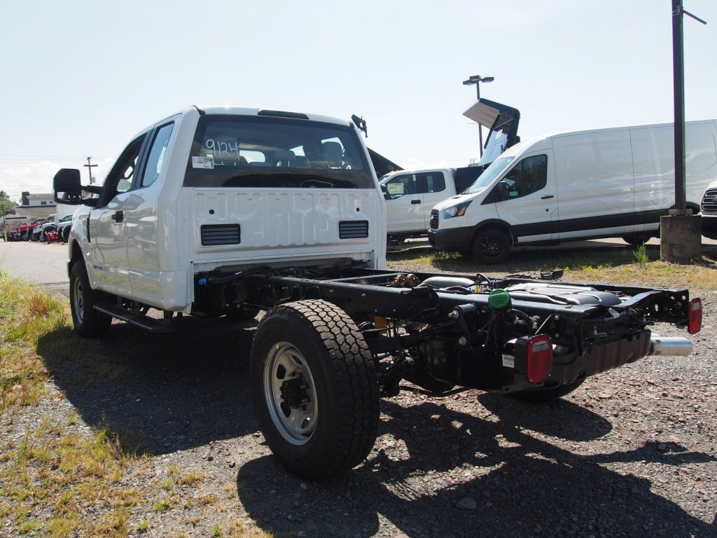 2019 Ford F-350 Super Cab 4x4, Cab Chassis #10320T - photo 3