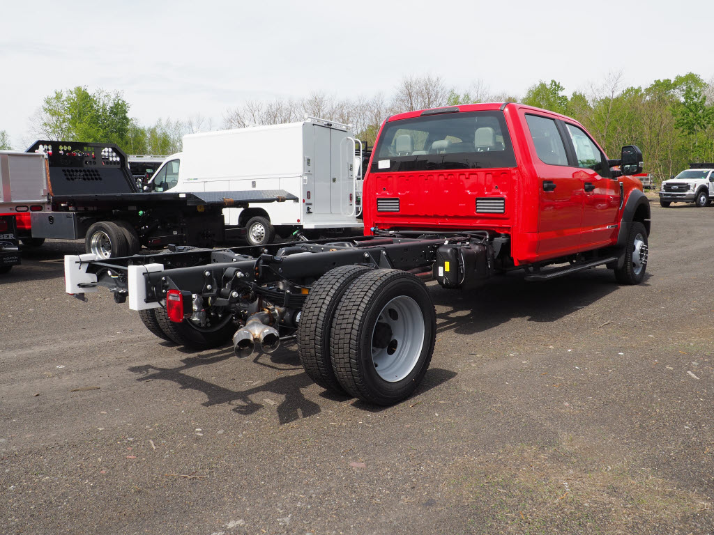 2019 Ford F-550 Crew Cab DRW 4x4, Cab Chassis #10471T - photo 2