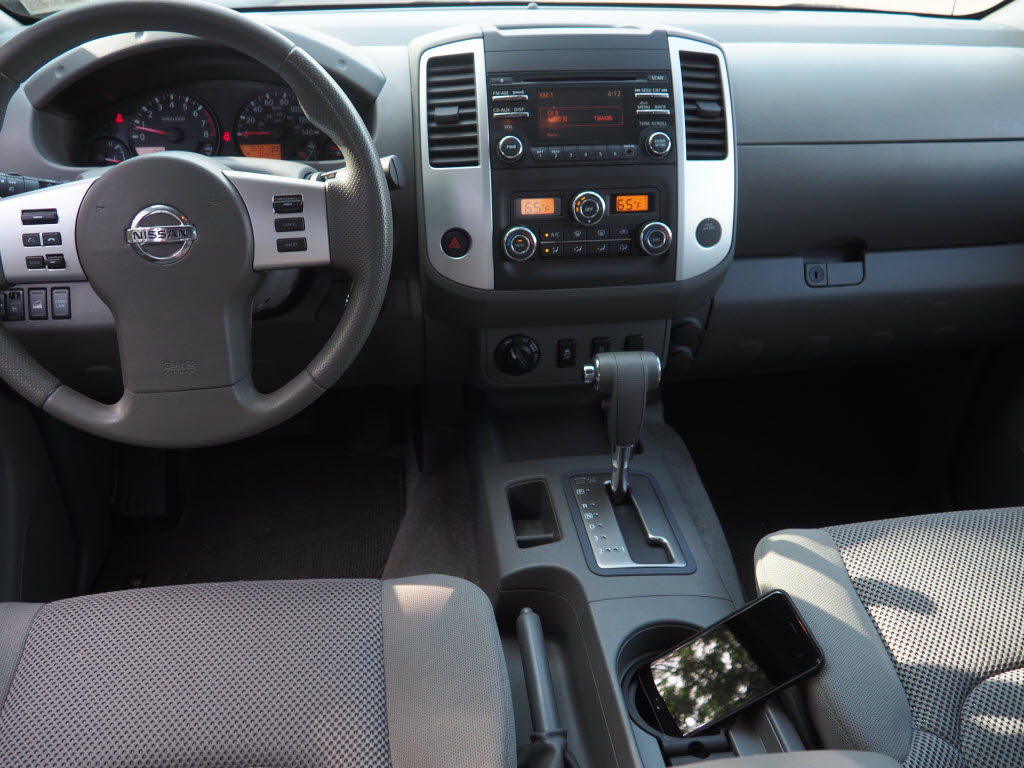 2013 Nissan Frontier Crew Cab 4x4, Pickup #10689A - photo 10