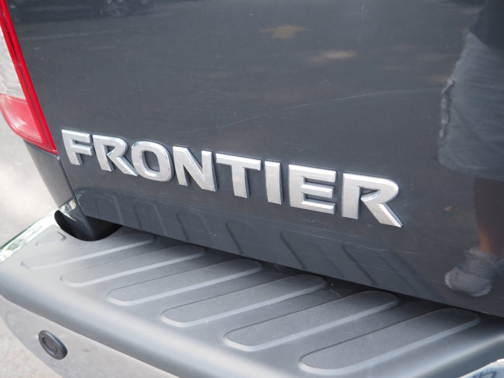 2013 Nissan Frontier Crew Cab 4x4, Pickup #10689A - photo 23
