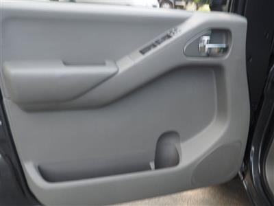 2013 Nissan Frontier Crew Cab 4x4, Pickup #10689A - photo 22