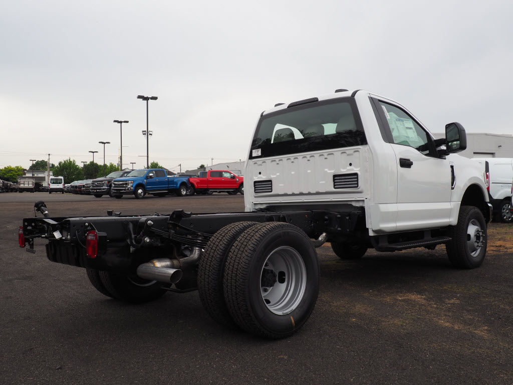 2020 Ford F-350 Regular Cab DRW 4x4, Cab Chassis #10720T - photo 1