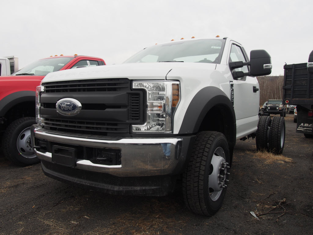 2018 F-550 Regular Cab DRW 4x4,  Cab Chassis #9453T - photo 4