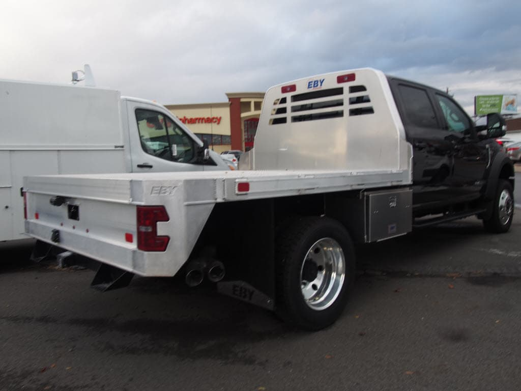 2018 F-550 Crew Cab DRW 4x4,  Platform Body #9546T - photo 2