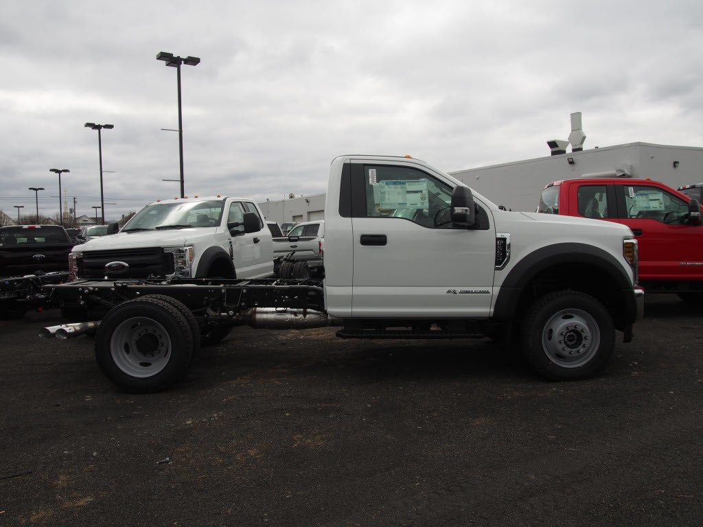 2018 F-550 Regular Cab DRW 4x4,  Cab Chassis #9549T - photo 8