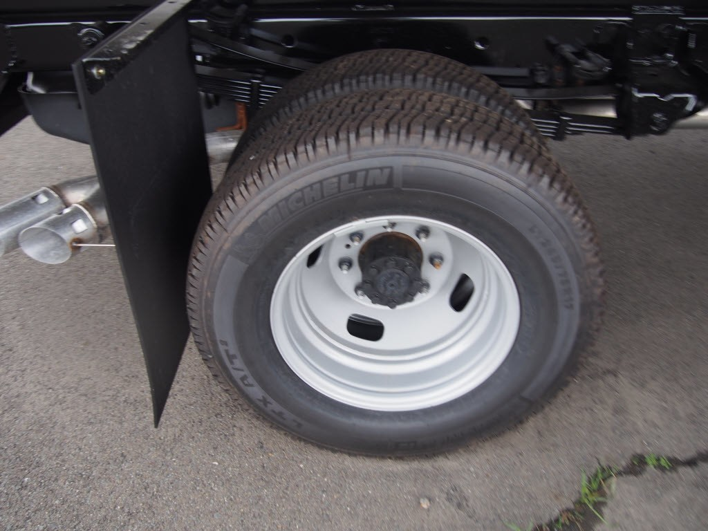 2018 F-350 Regular Cab DRW 4x4,  Duramag Aluminum Landscape Dump #9592T - photo 9