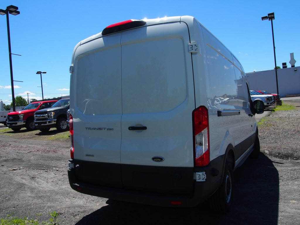 2018 Transit 250 Med Roof,  Empty Cargo Van #9631T - photo 8