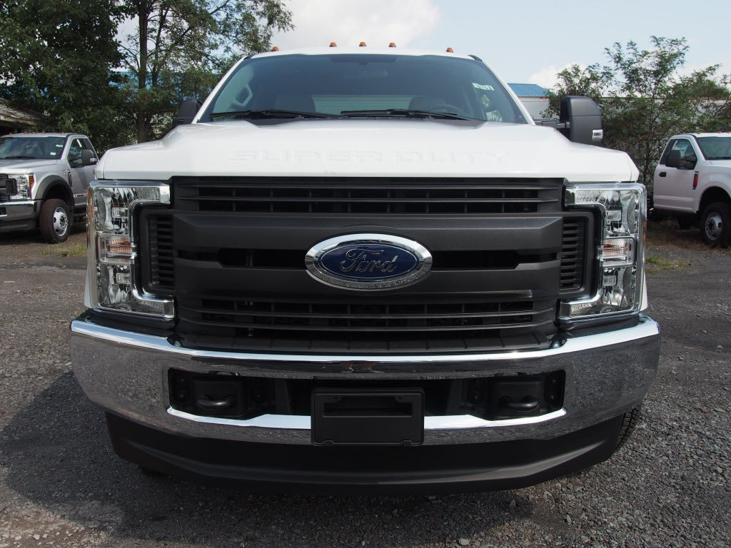 2019 F-350 Super Cab DRW 4x4,  Cab Chassis #9753T - photo 3