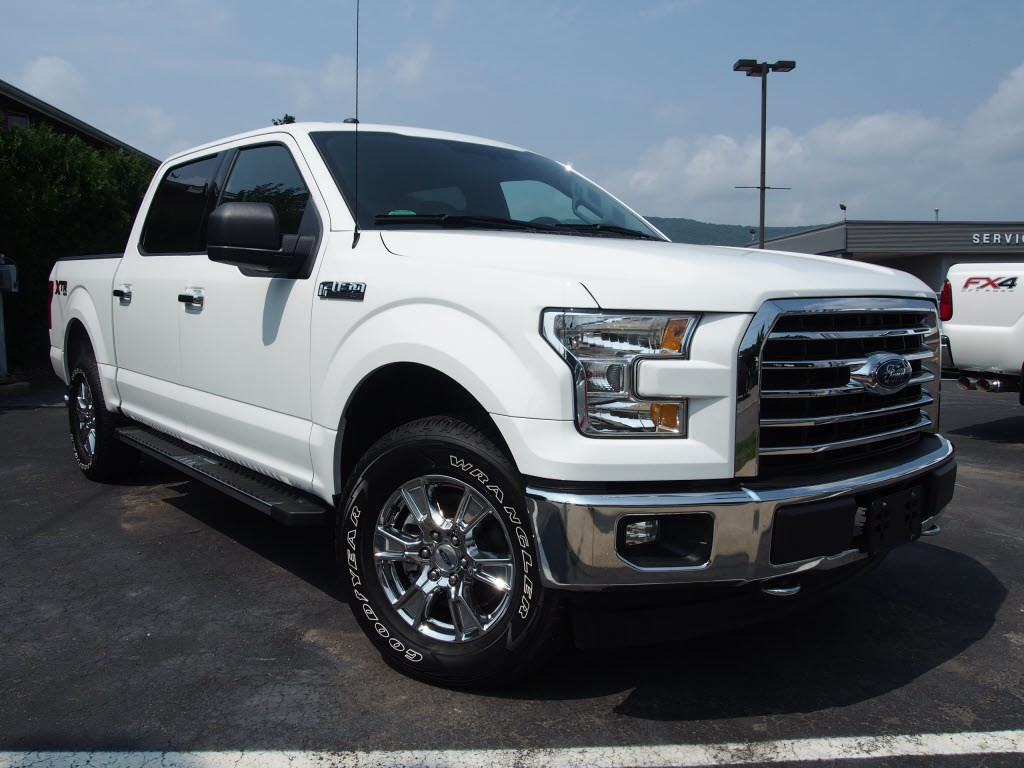 2017 Ford F-150 SuperCrew Cab 4x4, Pickup #P4999C - photo 3