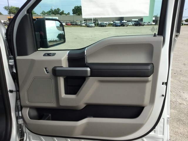 2018 F-150 SuperCrew Cab 4x2,  Pickup #E55579 - photo 30
