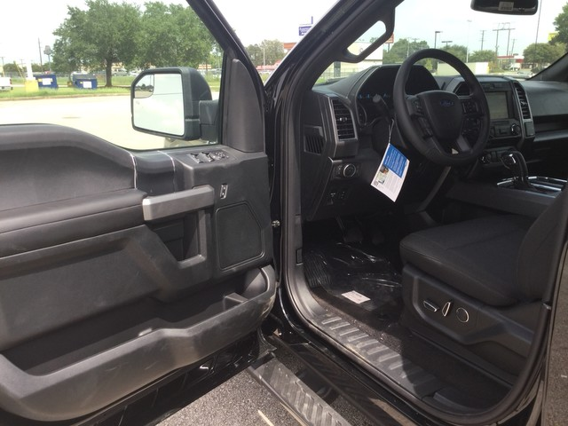 2018 F-150 SuperCrew Cab 4x2,  Pickup #E84019 - photo 12