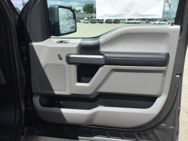 2018 F-150 SuperCrew Cab 4x2,  Pickup #F44884 - photo 32