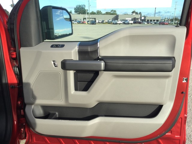 2018 F-150 SuperCrew Cab 4x2,  Pickup #F44885 - photo 30