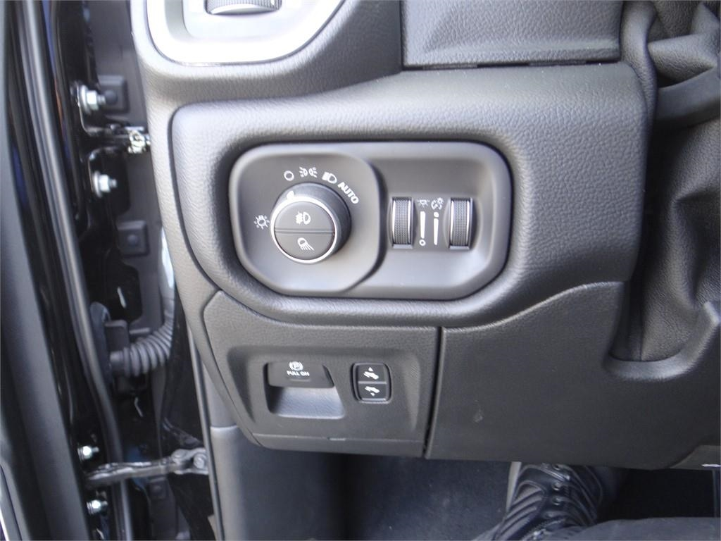 2019 Ram 1500 Crew Cab 4x2,  Pickup #R1751 - photo 14