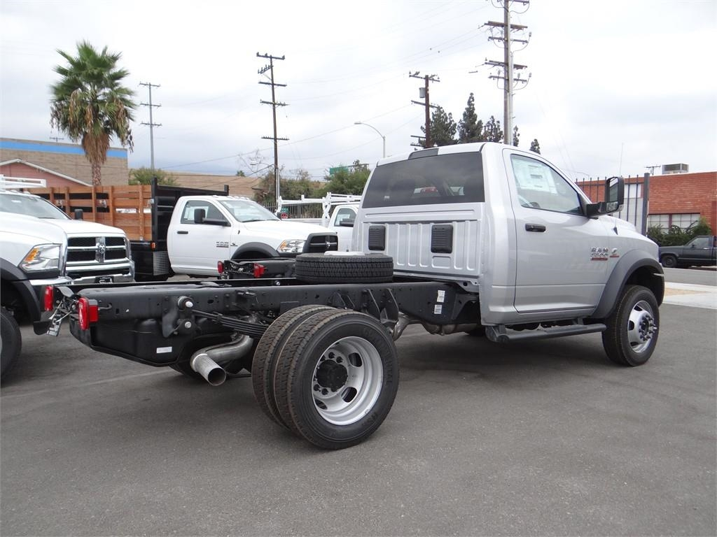 2018 Ram 5500 Regular Cab DRW 4x2,  Cab Chassis #R1754T - photo 2