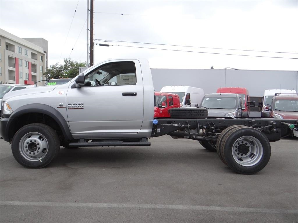 2018 Ram 5500 Regular Cab DRW 4x2,  Cab Chassis #R1754T - photo 6