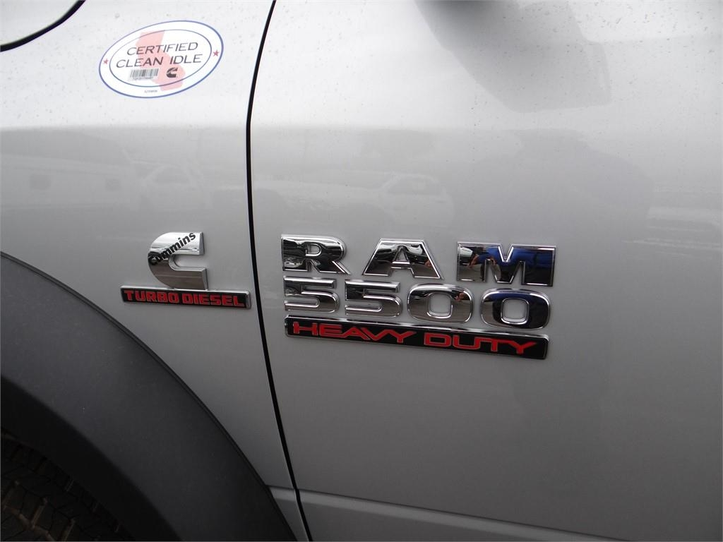2018 Ram 5500 Regular Cab DRW 4x2,  Cab Chassis #R1754T - photo 16