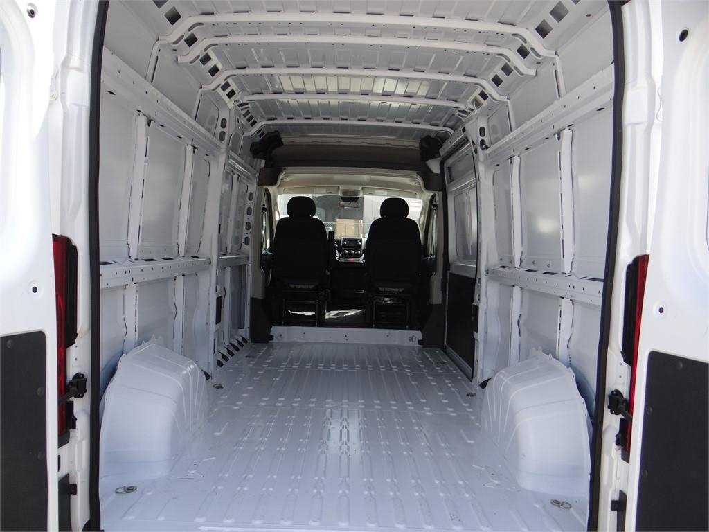 2018 ProMaster 2500 High Roof FWD,  Empty Cargo Van #R1772T - photo 2