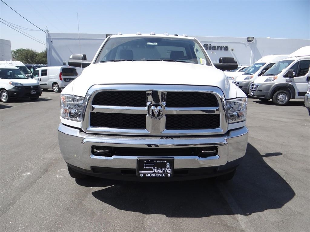 2018 Ram 3500 Regular Cab DRW 4x2,  Cab Chassis #R1805T - photo 8