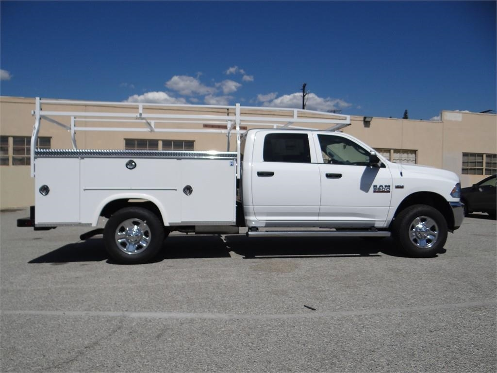 2018 Ram 3500 Crew Cab 4x2,  Royal Service Body #R1807T - photo 3