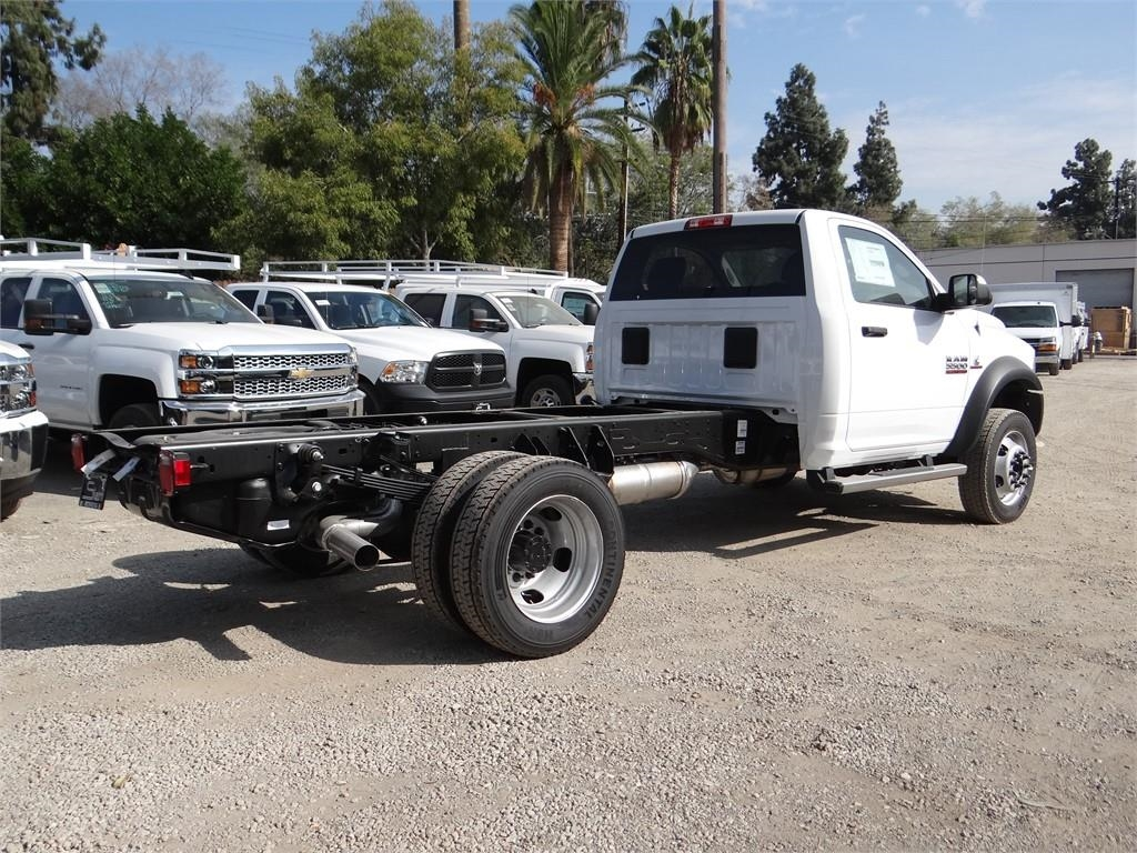2018 Ram 5500 Regular Cab DRW 4x2,  Cab Chassis #R1856T - photo 2