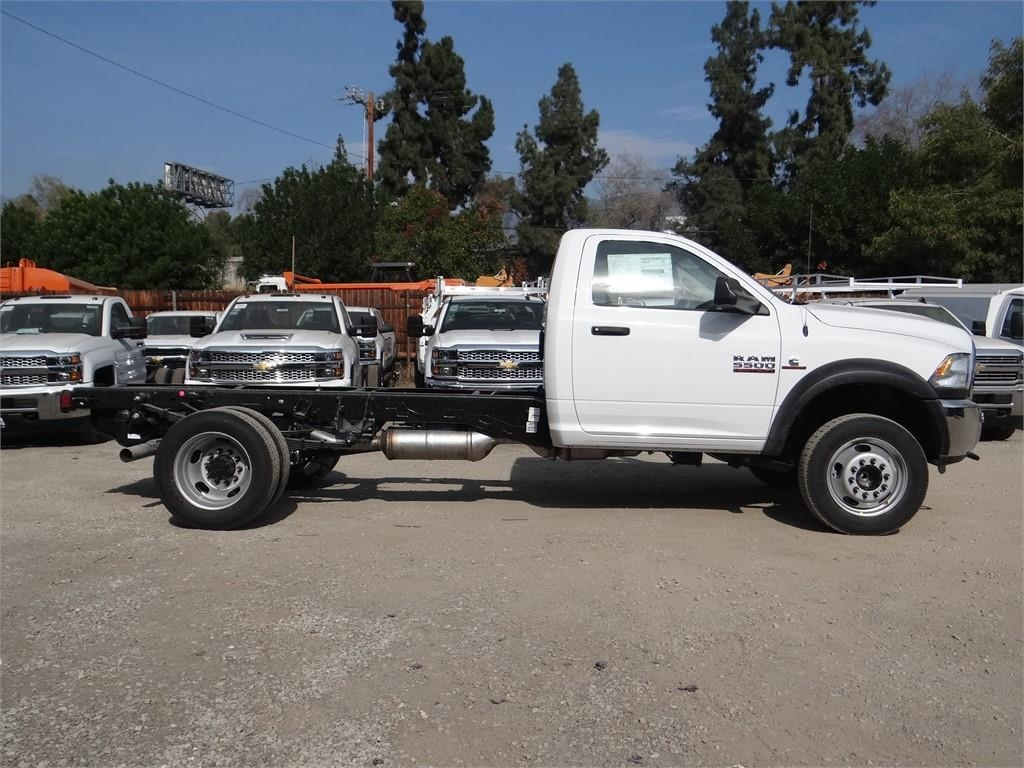 2018 Ram 5500 Regular Cab DRW 4x2,  Cab Chassis #R1878T - photo 3