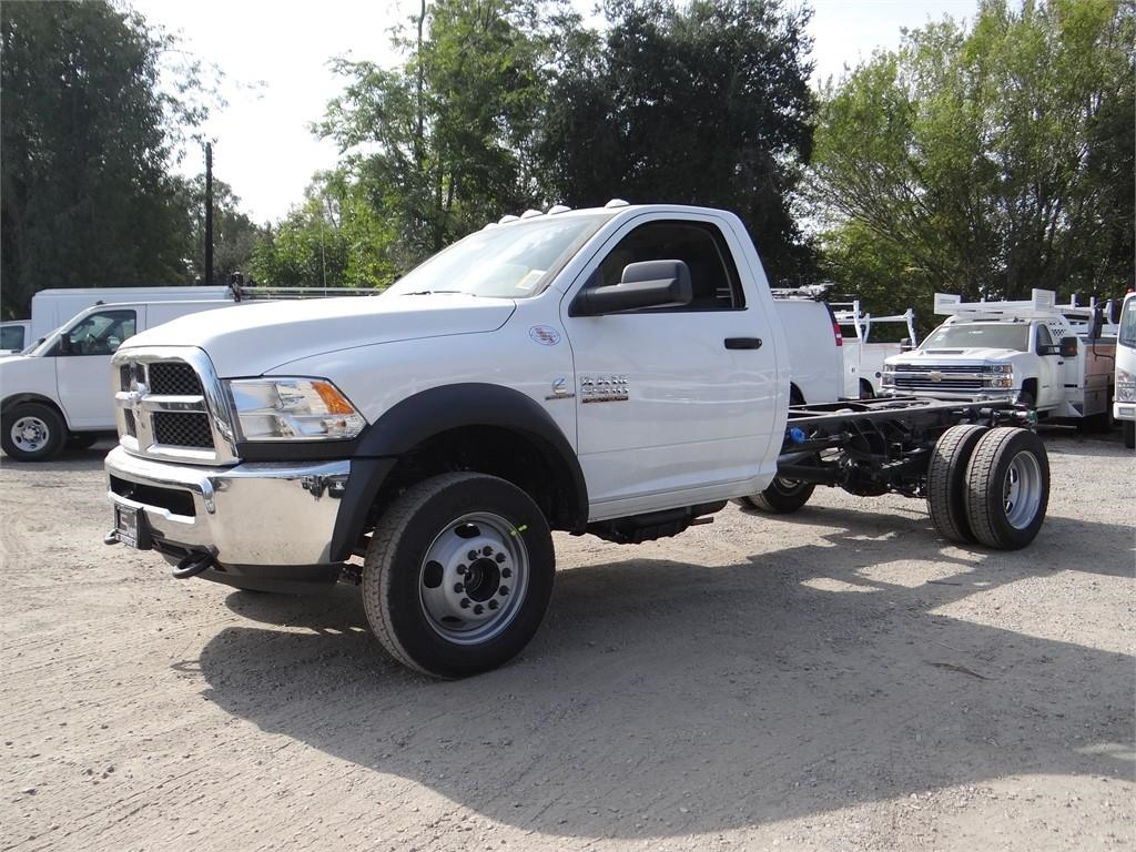 2018 Ram 5500 Regular Cab DRW 4x2,  Cab Chassis #R1878T - photo 6