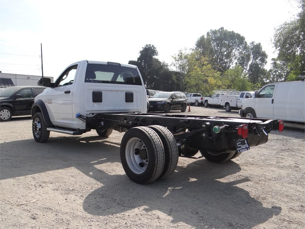 2018 Ram 5500 Regular Cab DRW 4x2,  Cab Chassis #R1880T - photo 5