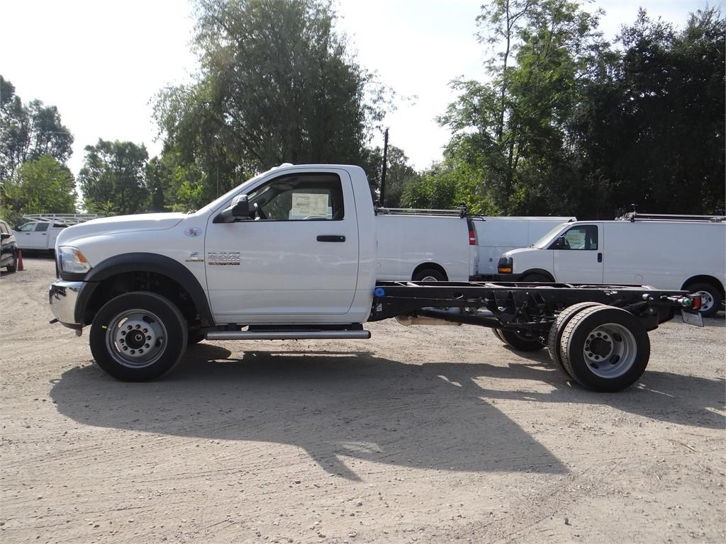 2018 Ram 5500 Regular Cab DRW 4x2,  Cab Chassis #R1880T - photo 6