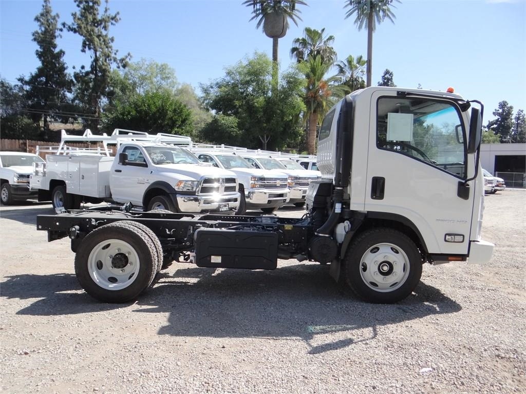 2018 LCF 5500HD Regular Cab,  Cab Chassis #C157590 - photo 3