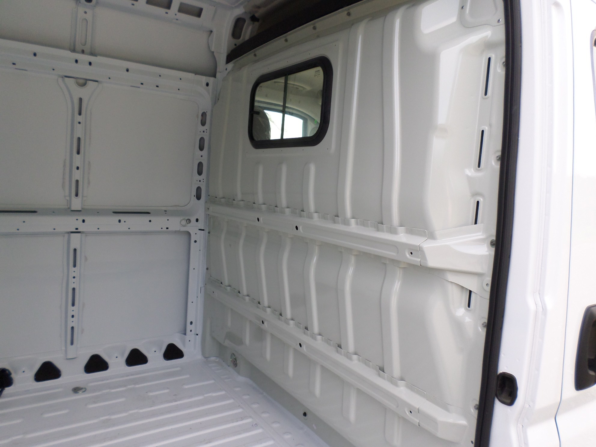 2018 ProMaster 1500 High Roof FWD,  Empty Cargo Van #JE105931 - photo 10