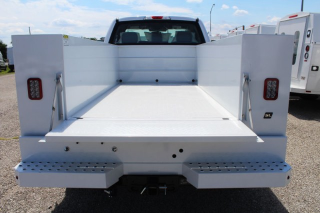 2018 F-250 Regular Cab 4x2,  Reading Service Body #CF8153 - photo 4