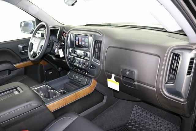2018 Silverado 1500 Crew Cab 4x4,  Pickup #8359 - photo 33