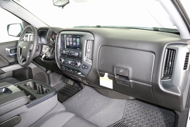 2018 Silverado 1500 Crew Cab 4x4,  Pickup #8423 - photo 30