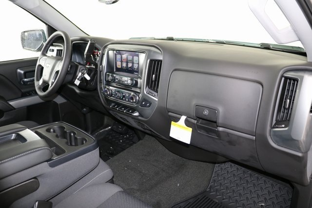 2018 Silverado 1500 Crew Cab 4x4,  Pickup #8434 - photo 31